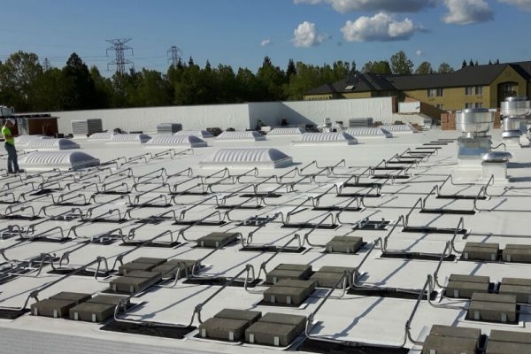 ballasted-solar-racking-systems-flat-roof